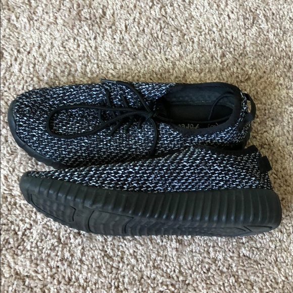 new style 50778 17aaf Black/White Knockoff Yeezy Gym Shoes